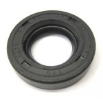 Front hub oil seal: Nitrile 17-32-7